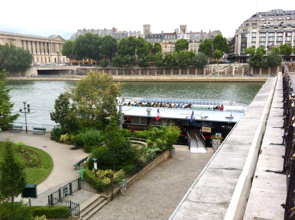 Vedettes du Pont Neuf at the Square du Vert-Galant